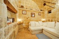 Farm_house in Malta, Saint Lawrence (San Lawrenz): sitting / living area