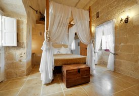 Farm House in San Lawrenz, Malta: main bedroom with en-suite on 1st floor