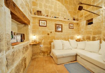 Farm House in Malta, Saint Lawrence (San Lawrenz): sitting / living area