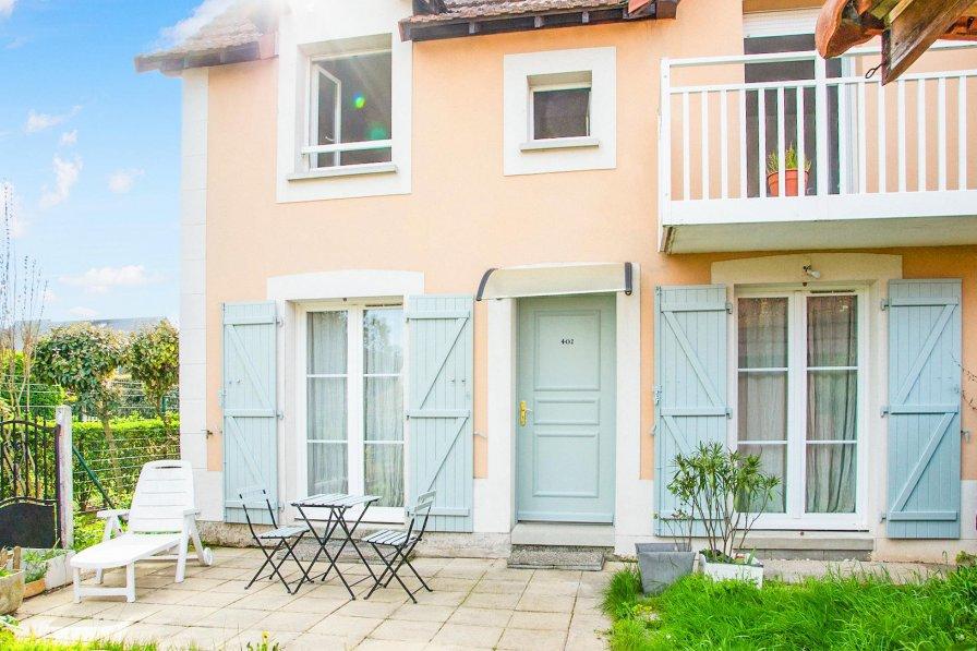 Villa in France, Port-Gare
