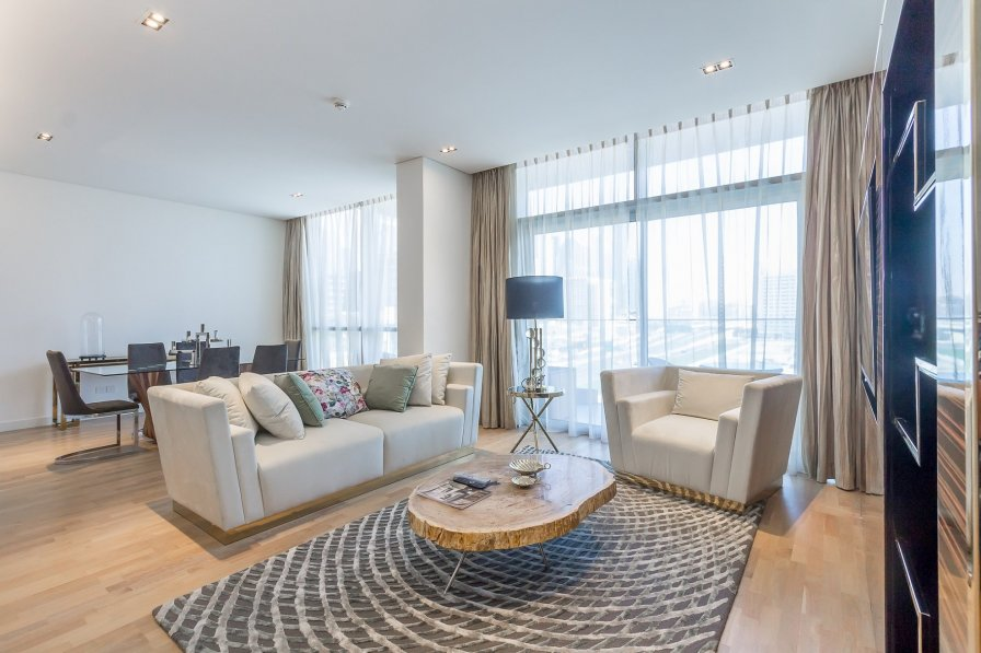Chic 2BR Apartment with Burj Khalifa View in City Walk #108B1