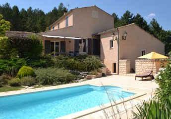 Villa in France, Hautes-Alpes: Spacious and comfortable 4 bedroomed Villa with swimming pool.