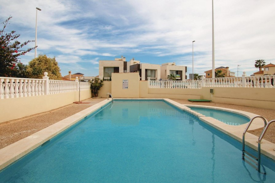 La Zenia villa to rent