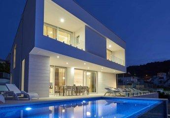 5 bedroom Villa for rent in Trogir