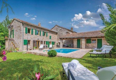 Villa in Ugrini, Croatia