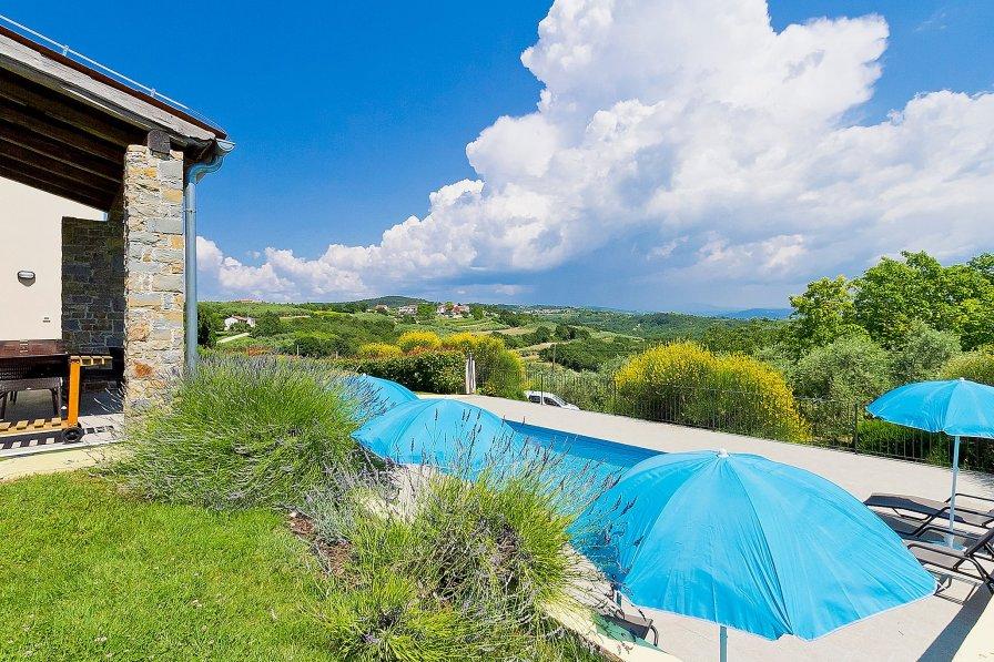 Villa in Croatia, Baredine