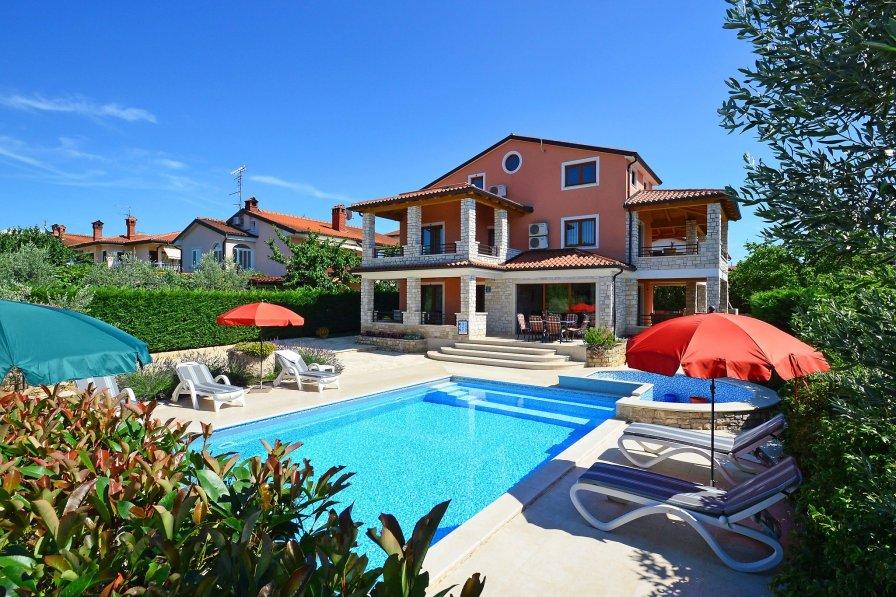 Villa in Croatia, Plovanija