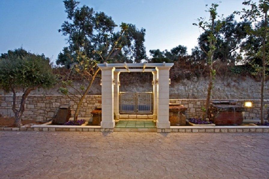 Villa in Greece, Asteri