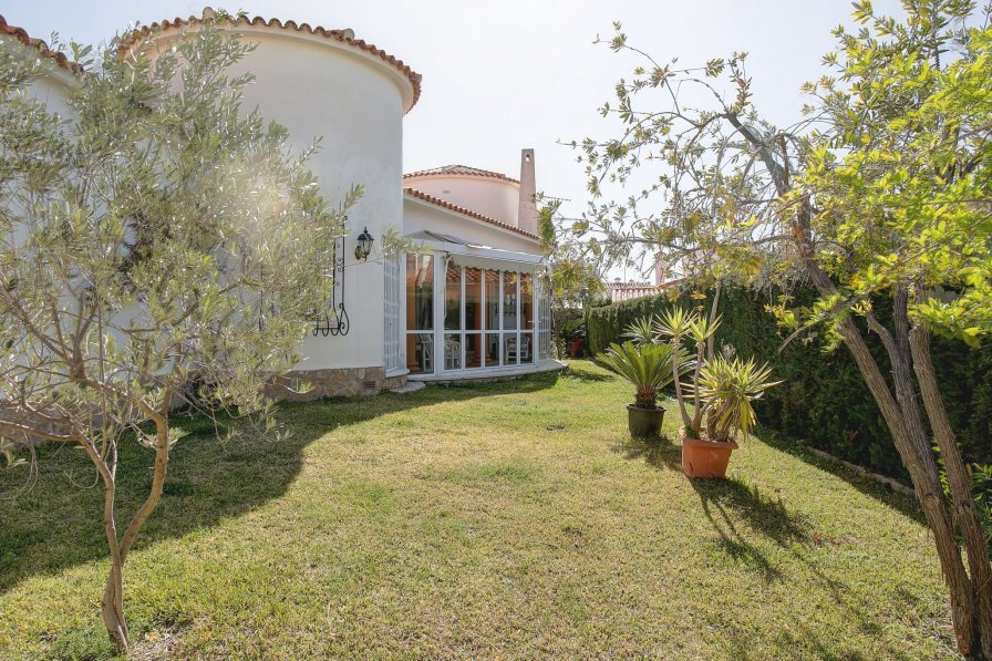 Villa in Spain, Deveses