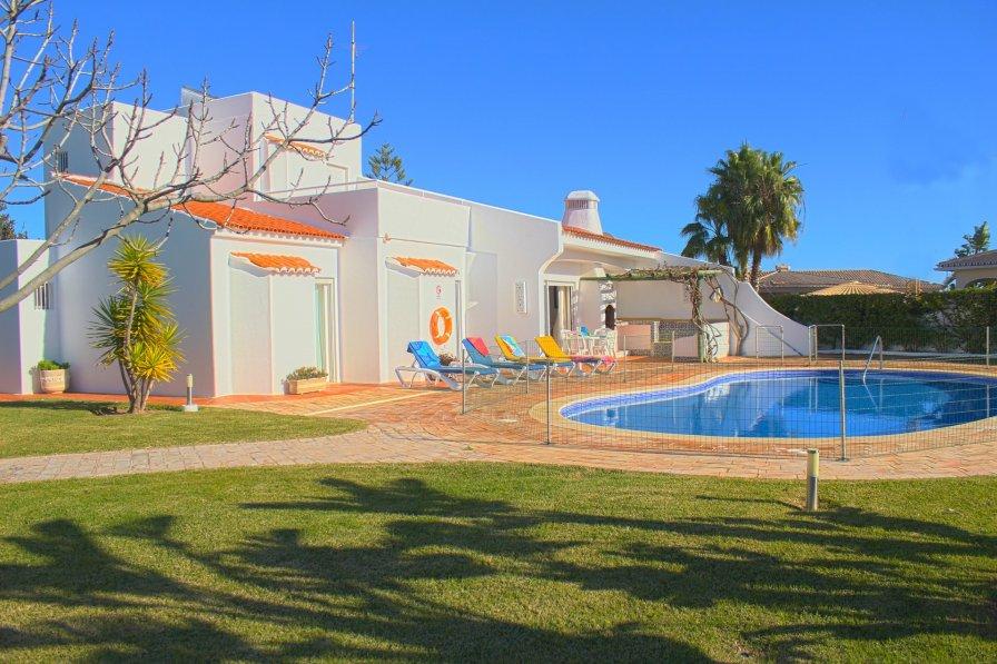 Villa in Portugal, Praia da Oura