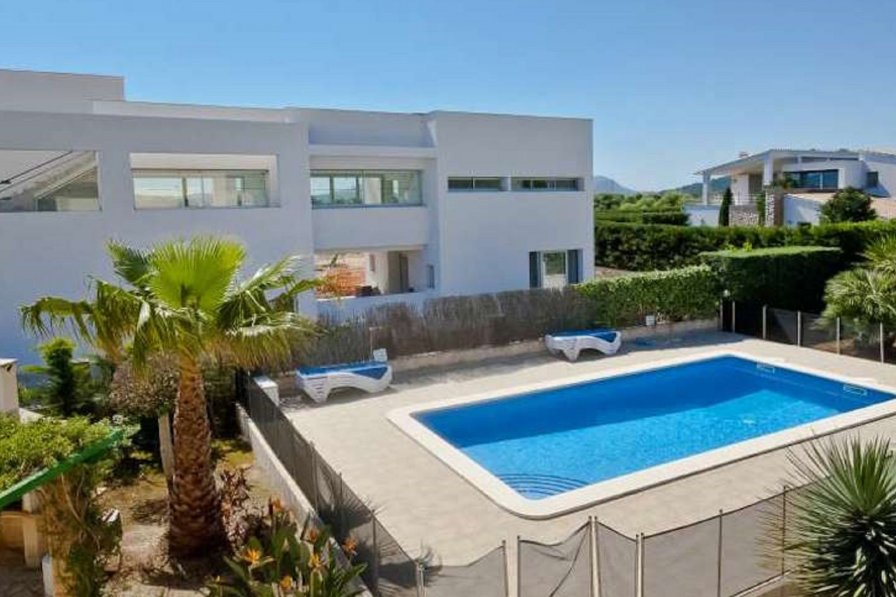 Villa to rent in Puerto Pollensa, Majorca with private ...