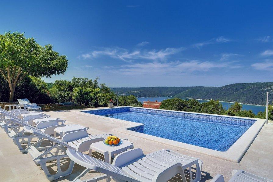 Villa in Croatia, Trgetari
