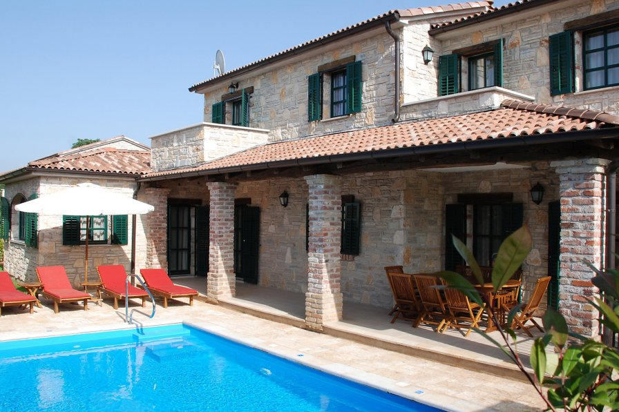 Villa in Croatia, Barat