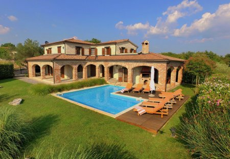 Villa in Lakovići, Croatia: DCIM\100MEDIA\DJI_0003.JPG