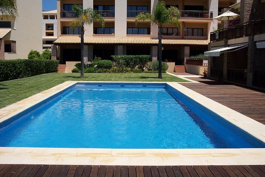 Villa in Portugal, Vilamoura: View of the Pool