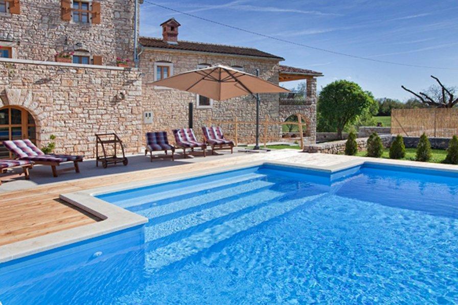 Villa in Croatia, Pifari