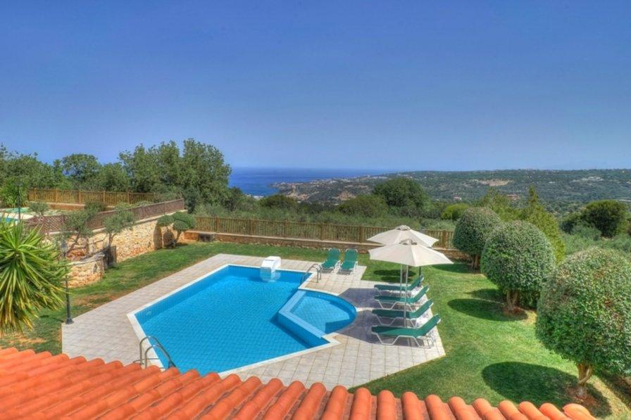 Villa in Greece, Gerani