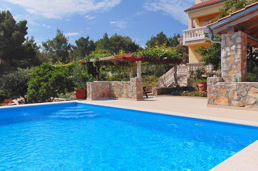Villa in Croatia, Mali Iž