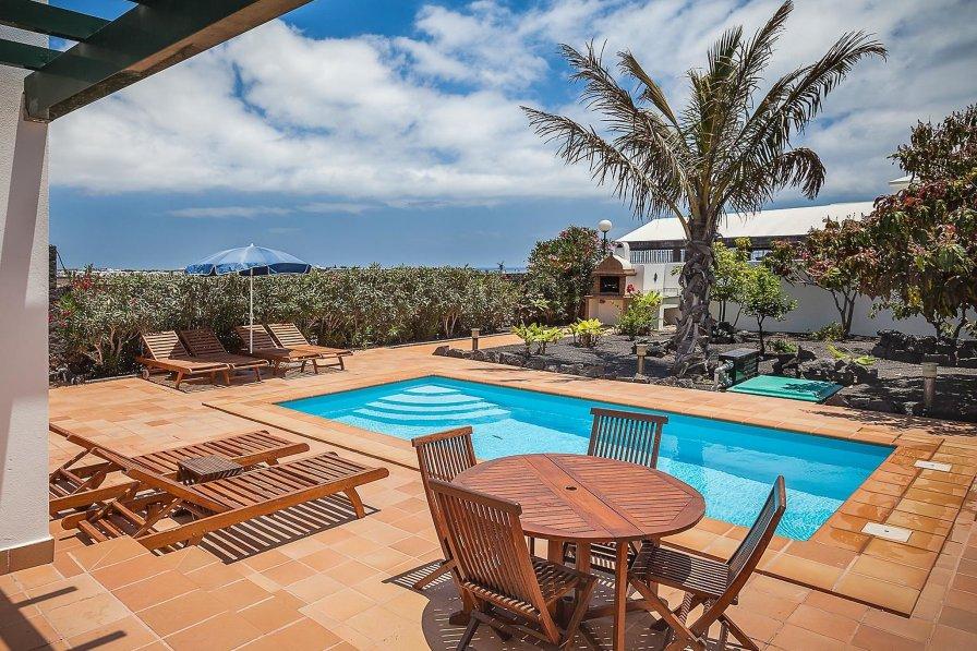 Villa Mango I
