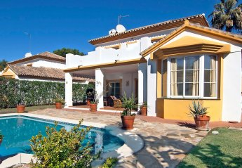0 bedroom Villa for rent in Sitio de Calahonda