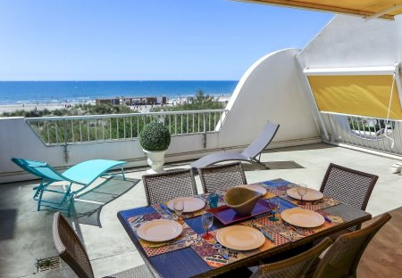 Apartment in La Grande-Motte Sud, the South of France
