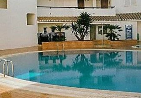 Apartment in Alporchinhos, Algarve: Communal Pool