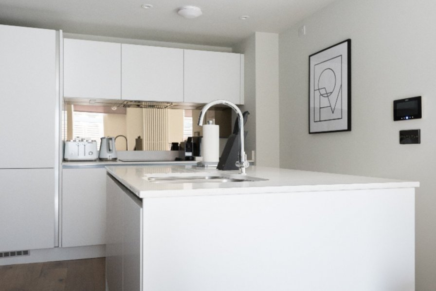 Stunning 3 Bed Townhouse w/ Roof Terrace