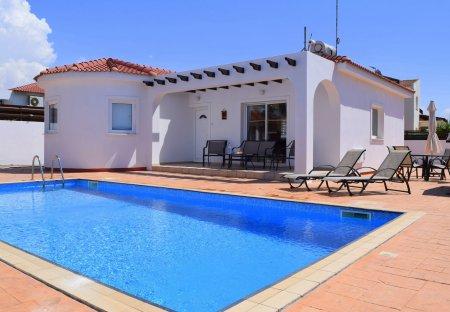 Villa in Ayia Thekla, Cyprus