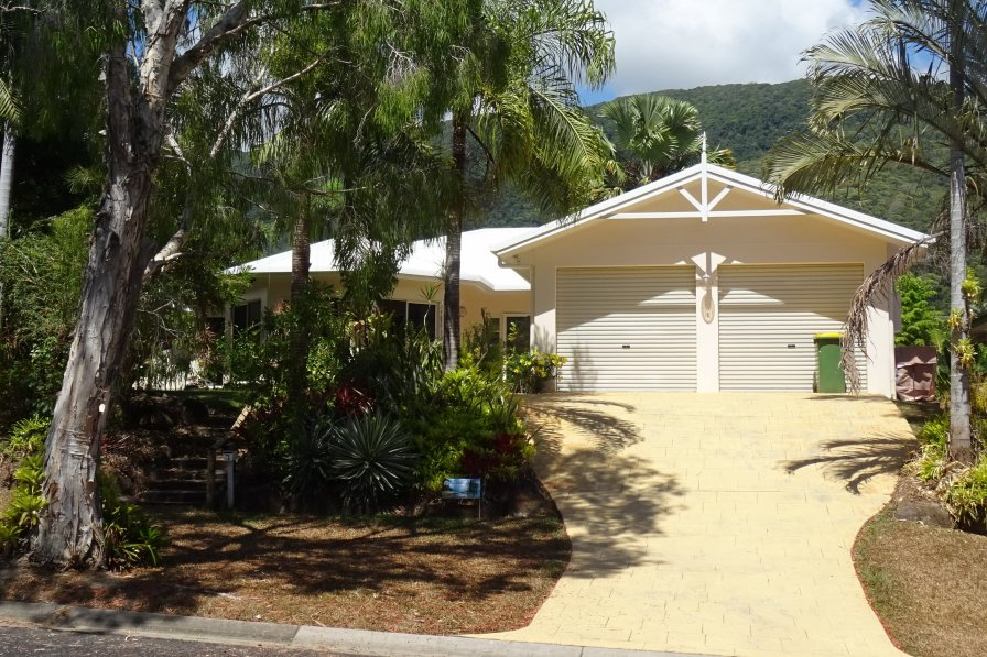 Palm Cove Holiday House
