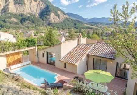 Villa in Châtillon-en-Diois, France