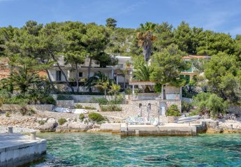 6 bedroom Villa for rent in Hvar