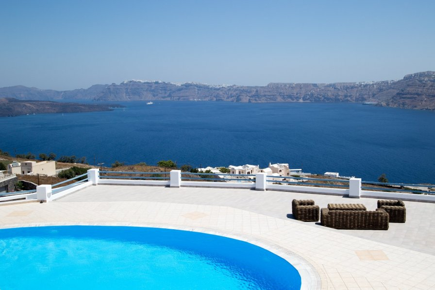 Villa rental in Santorini