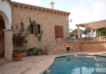 4 bedroom Villa for rent in Porto Cristo
