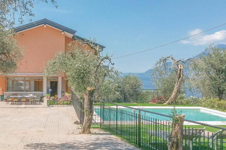 Apartment in Italy, Magugnano