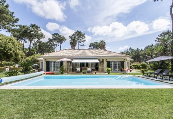 4 bedroom Villa for rent in Aroeira
