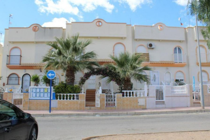 Town House To Rent In Urbanizaci 243 N La Florida Spain With