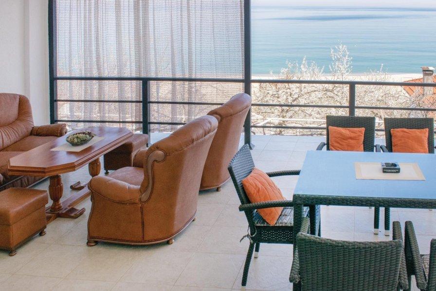 Villa to rent in Chayka