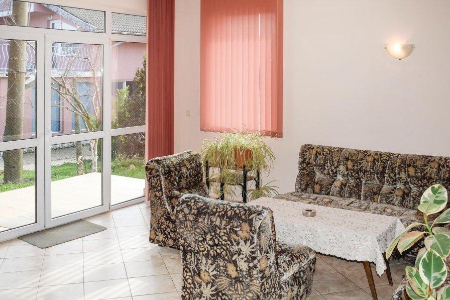 Villa to rent in Dobrich