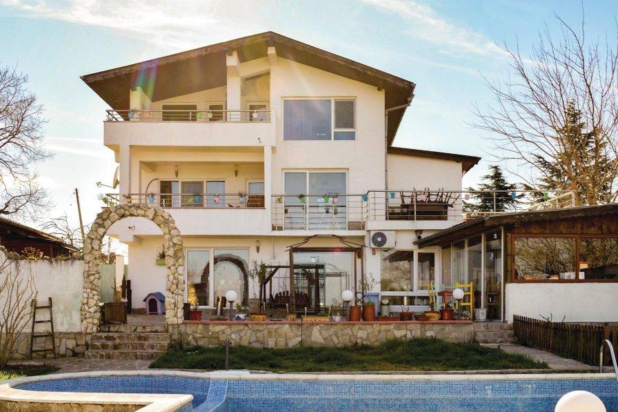 Golden Sands villa to rent