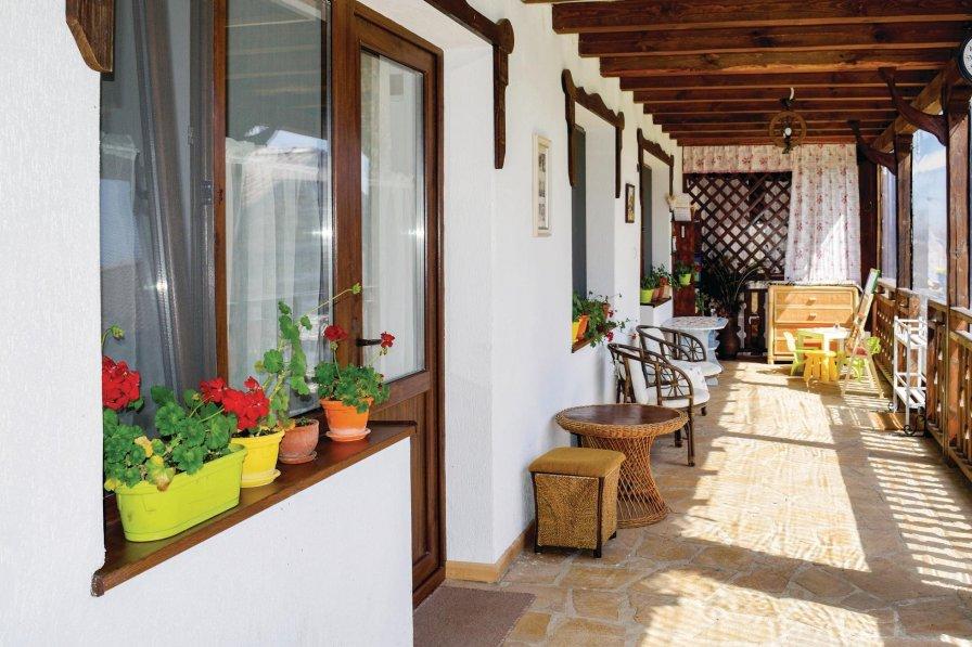 Dobrogled holiday villa rental with shared pool