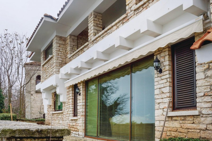 Villa with shared pool in Balchik