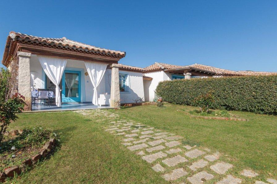 Villa in Italy, Agrustos