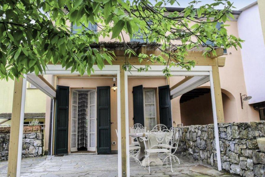 Villa in Italy, Pignone