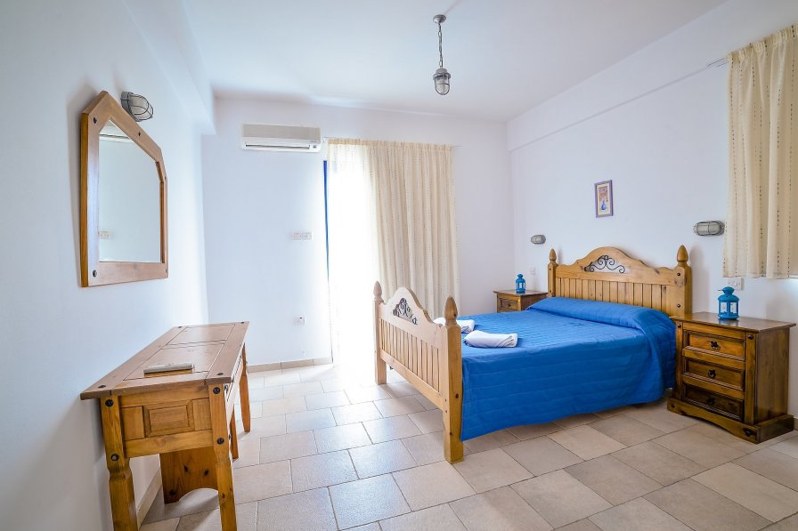 Azzurro - 2 Bedroom Villa Peyia
