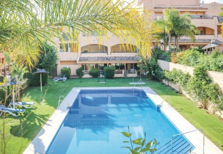 Apartment in Elviria, Spain