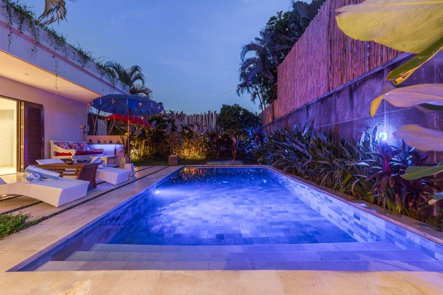 Cikita 4 Bedroom Stylish Villa