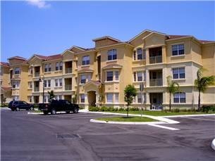 Apartment in USA, Terrace Ridge: This is the outside and we are on ground floor