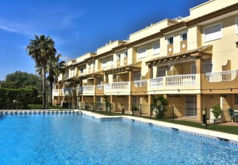 4 bedroom House for rent in Oliva