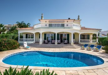 4 bedroom Villa for rent in Carvoeiro