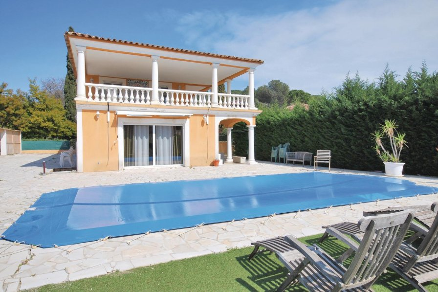 Villa to rent in Fréjus